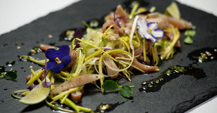 Салат из свиных ушек по-азиатски