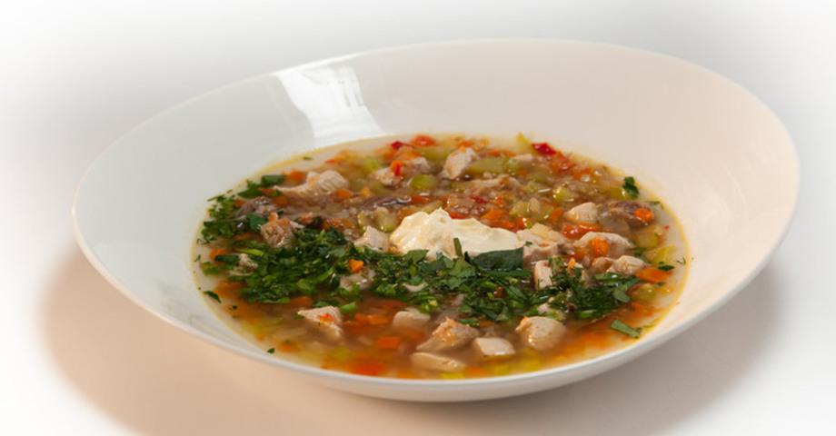 Гречневый суп с потрошками на курином бульоне